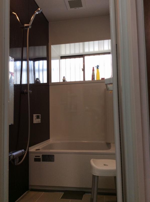 京都上桂シェアハウス コモンホーム1号館の洗面所のお風呂場