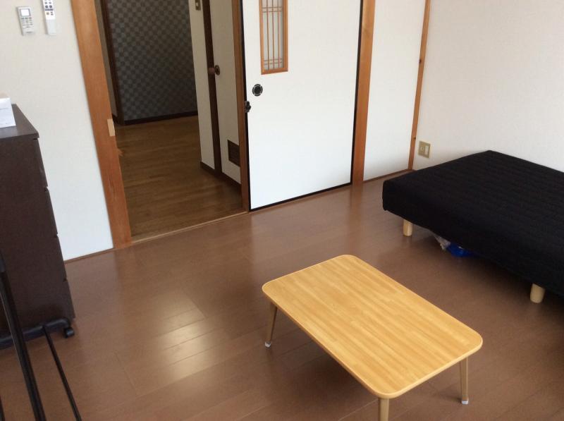 京都上桂シェアハウス コモンホーム1号館の202号室のドア