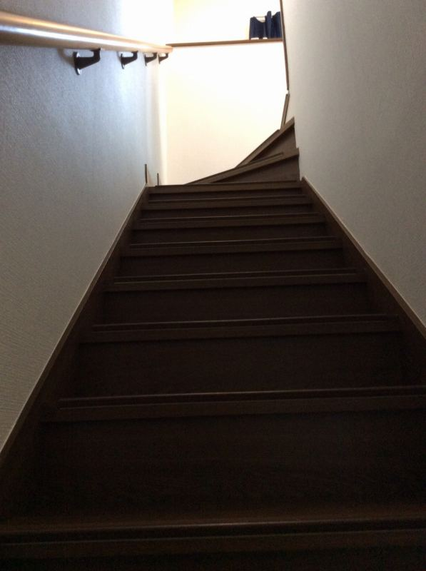 京都上桂シェアハウス コモンホーム1号館の301号室の階段