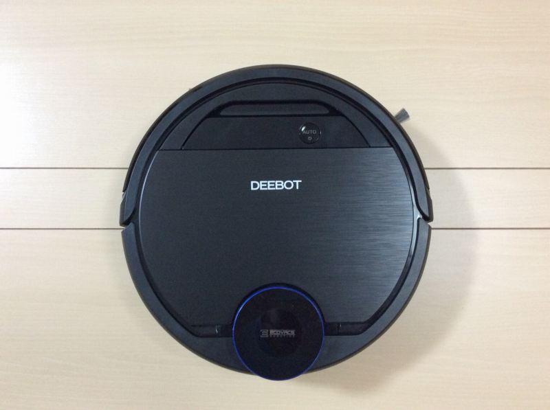 エコバックスロボット掃除機「DEEBOT OZMO 930(ディーボット オズモ 930)」を上から撮影した写真