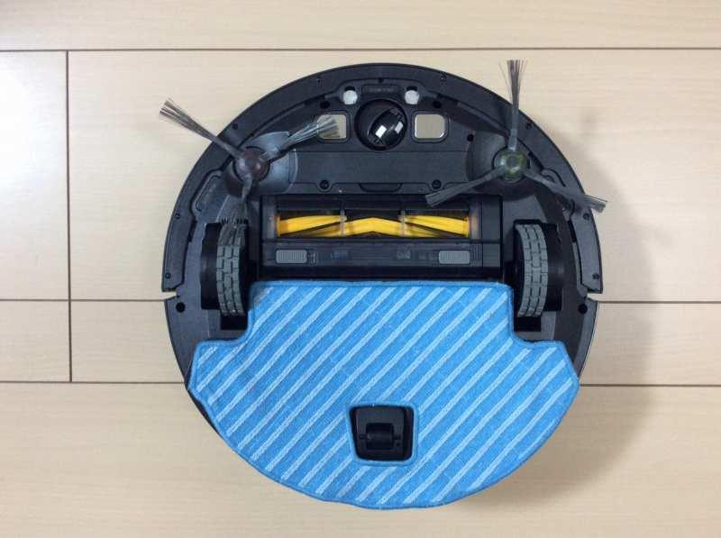 モップ装着時のエコバックスロボット掃除機「DEEBOT OZMO 930(ディーボット オズモ 930)」の裏側