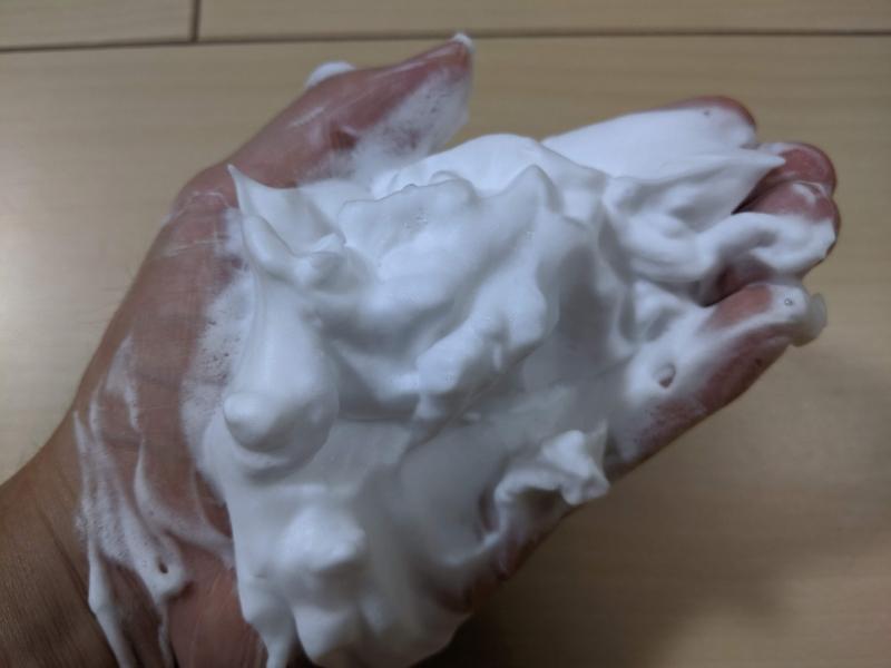 マルクパージュ洗顔フォームを泡立てた状態