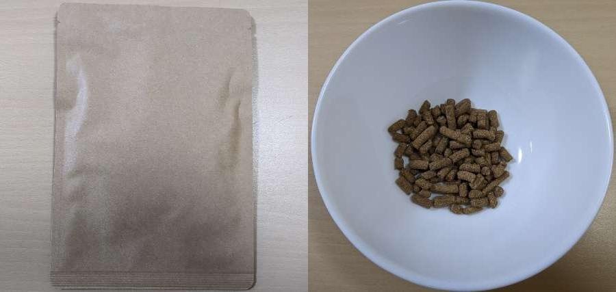 ナチュロルドッグフードのお試しパッケージとお皿にナチュロルドッグフードを入れた状態